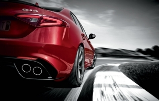 Alfa Romeo Giulia: Sparco sjedala i druge novosti