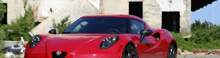 VIDEO: Alfa Romeo 4C raspala se u teškom sudaru