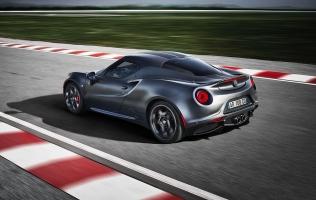 Alfa Romeo 4C Competizione i Italia još su jedna novost iz Ženeve