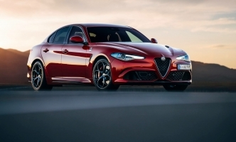 Alfa Romeo Giulia je favorit za nagradu Car of the Year