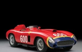 Fangiov Ferrari prodan za 28 milijuna dolara