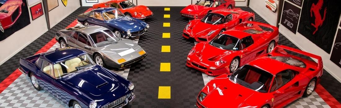 Jedan čovjek prodaje svoju kolekciju Ferrarija